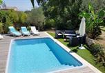 Location vacances La Gaude - Villa de 4 chambres a La Gaude avec magnifique vue sur la montagne piscine privee jardin clos a 14 km de la plage-1