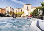 Location vacances Vernet-les-Bains - Beautiful home in Prades w/ Jacuzzi and 5 Bedrooms-1