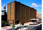 Hôtel Baltimore - Days Inn by Wyndham Baltimore Inner Harbor-1