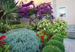 Location vacances Banjol - Apartments with Sea View and Garden-3