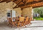 Location vacances Buzet-sur-Baïse - Stunning home in Espiens with Outdoor swimming pool, Wifi and 3 Bedrooms-3