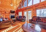 Location vacances Sevierville - Smoky Mountain Retreat, 5 Bedrooms, Hot Tub, Wifi, Pool Table, Sleeps 16-1