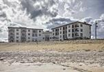 Location vacances Ormond Beach - Oceanfront Ormond Beach Condo w/ Balcony & Pool!-1