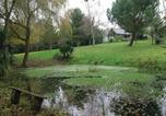 Location vacances Rochefort-en-Terre - Four-Bedroom Holiday home Peillac with a Fireplace 01-3