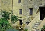 Location vacances Monticiano - Apartment Castello Vittorio I-1