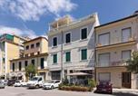 Location vacances Viareggio - Three-Bedroom Apartment in Viareggio-4