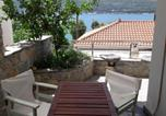 Location vacances Νέον Καρλοβάσιον - Afroessa Studios & Apartments-3