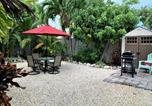 Location vacances Marathon - Tropical Oasis in Key Colony 3 bedrooms 2 Baths w/Cabana Club access-1