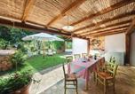 Location vacances Sant'Antonio di Gallura - Stunning home in Olbia w/ 4 Bedrooms-2