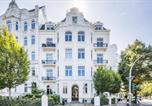 Location vacances Hamburg - Generous Family-Apartment with two seperate bedrooms close to the U-Bahn-1