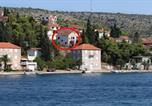 Location vacances Milna - Apartment Milna 2962b-1