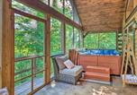 Location vacances Diamond Point - Upscale Warrensburg Cabin with Private Hot Tub!-2