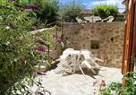 Location vacances Chanteuges - House with 3 bedrooms in Saintpaldesenouire with wonderful mountain view and enclosed garden-4