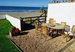 Location vacances Conwy - Superb Cintra Beachside Apartments-3