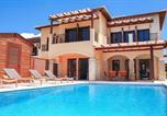 Location vacances Kouklia - Villa in Kouklia Sleeps 4 includes Swimming pool Air Con and Wifi 4-1