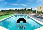 Location vacances Vilabella - 35 Hectare Farm, Animals, Pool And Relax-1