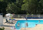 Camping avec Piscine couverte / chauffée Vendrennes - Camping Municipal La Petite Boulogne-1