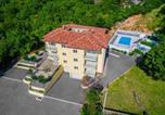 Location vacances Kostrena - Beautiful apartment in Kostrena Sveta Lucij w/ Outdoor swimming pool and 3 Bedrooms-2