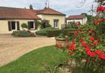Location vacances Bourgogne - Au café de la gare, Spa, Bourgogne Maison de charme spacieuse près de Dijon Dole Grey-4