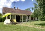 Location vacances Coust - Villa Soleil-1