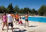 Camping avec Piscine Pertuis - Camping Domaine des Iscles-2