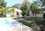 Location vacances Vaux-sur-Mer - Les Revolins - Magnifique maison de vacances a 150m de la plage!-1