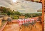 Location vacances Chiusi - Gorgeous Farmhouse in Umbria near the Forest-1
