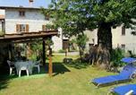 Location vacances  Province de Côme - Spacious Apartment near Lake in Dongo-1