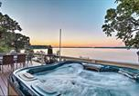 Location vacances Tulsa - South Grand Lakefront Oasis with Deck and Dock!-2