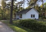 Location vacances Maaseik - Holiday home Vakantiepark T Vosseven 1-2