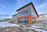 Location vacances Yakima - Modern Mountaintop Retreat with Hot Tub and Views-1