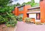 Location vacances Lake Harmony - Poconos Home w/ Deck & Bbq - Lake & Pool Access!-2