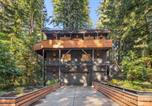 Location vacances Jenner - Forest Hideaway with Wraparound Deck & Firepit home-4