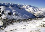 Location vacances Mont-de-Lans - Appartement 4 pers. skis aux pieds 69069-1