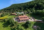 Location vacances Apecchio - Elegant Farmhouse in Apecchio Marche with Jacuzzi-1