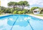 Location vacances  Province de Gérone - Lloret de Mar Villa Sleeps 22 with Pool and Wifi-4