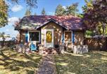 Location vacances Hayden - Charming Coeur d'Alene Vintage Family Cottage-1