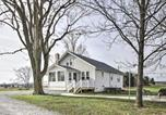 Location vacances Jackson - Farm-Style Ste Genevieve House with Fire Pit!-2
