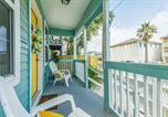 Location vacances Galveston - The Beachin' Bungalow-3