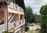 Location vacances Hévíz - Friends Villa Apartments 2-3