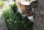 Location vacances  Province de Prato - Vacanza nel verde-4