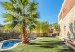 Location vacances Olesa de Bonesvalls - Villa with 5 bedrooms in Olivella with wonderful mountain view private pool enclosed garden 13 km from the beach-2
