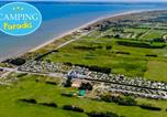 Camping avec Ambiance club Villerville - Camping d'Utah Beach - Camping Paradis-3