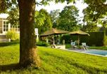 Location vacances Court-Saint-Étienne - Le Petit Trianon-1