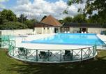 Camping avec Piscine couverte / chauffée Indre - Camping Les Chenes-1