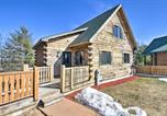 Location vacances Sparta - Pet-Friendly Warrens Cabin with Private Deck-2