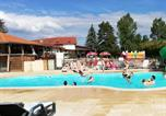 Camping avec Ambiance club Marne - Camping Le Clos du vieux Moulin-1