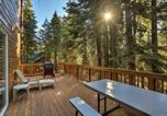 Location vacances Carnelian Bay - Rustic Tahoe Home w/Hot Tub Near Squaw Valley-1