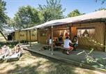 Camping avec Piscine couverte / chauffée Beaumont-du-Périgord - Camping Las Patrasses-2
