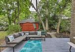 Location vacances Port Clinton - Marblehead Cottage with Fire Pit Walk to Lake!-2